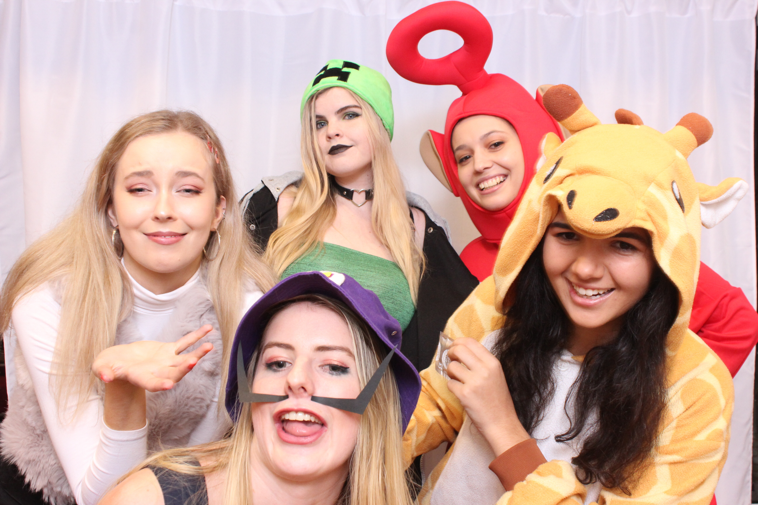 Kids Photo Booth | Photo Booth Hire Sydney | Best Photo Booth Rates